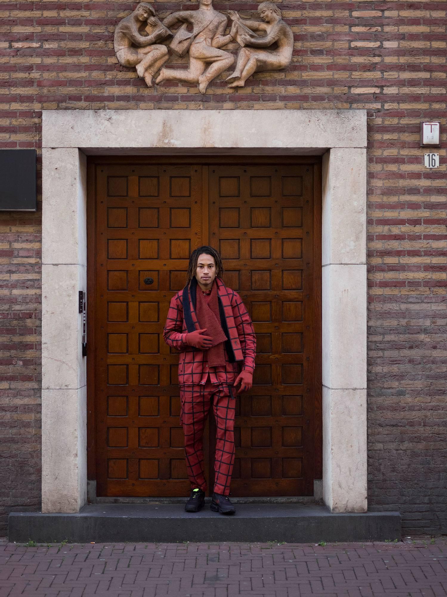 #04/11 VINCENT VAN DE WAAL & VIOLETTE ESMERALDA